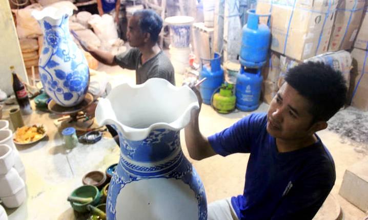 Industri Rumahan Keramik Porselen