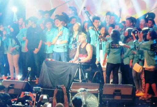 SECONDHAND- Bandung Ekspres