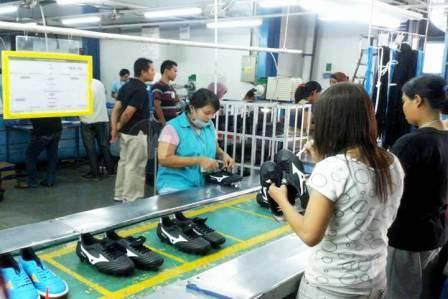 Industri Sepatu - UMK