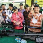 Kunjungan Menteri PPN dan Mentri Perindustrian ke PT PINDAD - bandung ekspres
