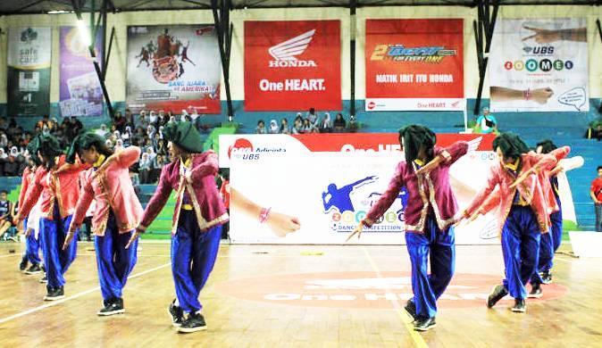 UBS Zoomee Dance - SMAN 1 Sindang Indramayu - Honda DBL 2015 West Java Series - East Region (5) -bandung-ekspres