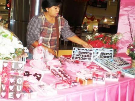 Valentine - bandung ekspres