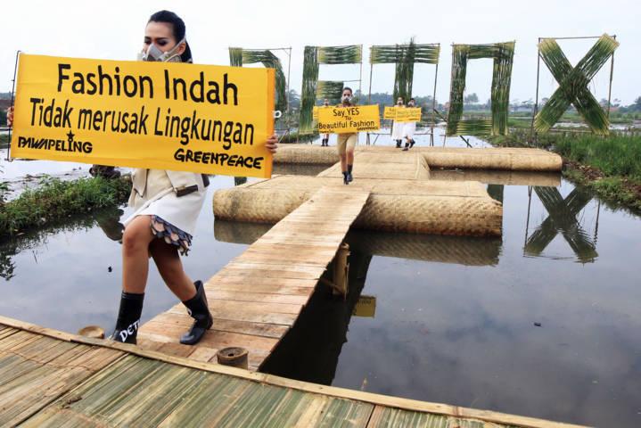 Aksi Greenpeace - bandung ekspres