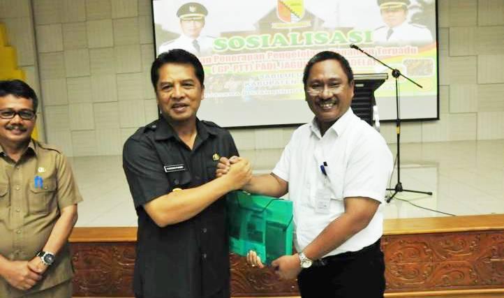 Bupati Bandung H Dadang Naser - bandung ekspres