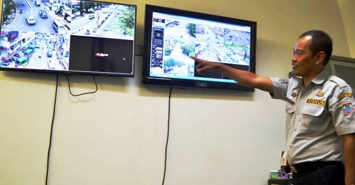 Dishub Kota Cimahi Pantau CCTV - bandung ekspres