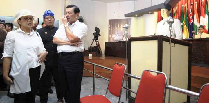 Kunjungan Menlu dan Kepala Staf Kepresidenan ke KAA - bandung ekspres