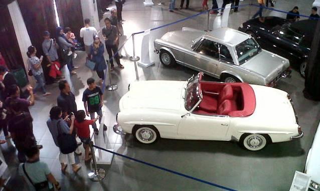 Pameran Mobil Fast Present and Future - MERCY - bandung ekspres