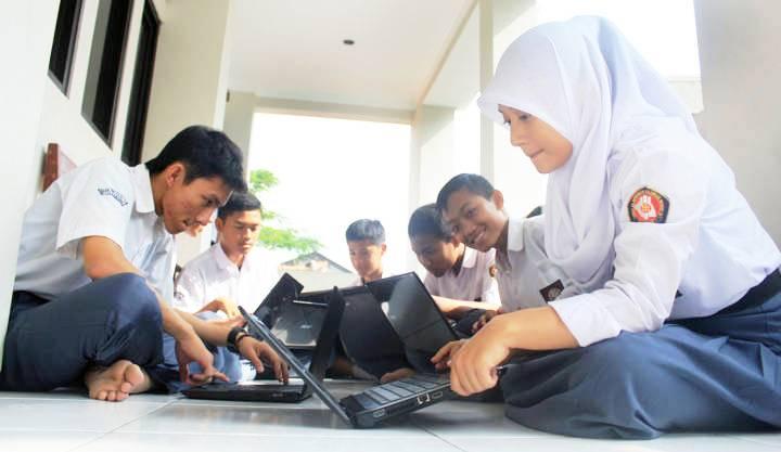 SMK - UNAS Berbasis Komputer - bandung ekspres