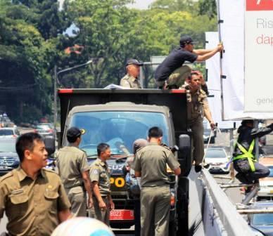 Satpol PP Bandung - HUT Satpol PP - bandung ekspres