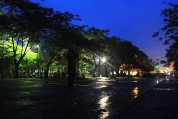 Taman Alun-alun Cimahi Minim Lampu Penerangan