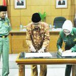 penandatanganan naskah kerjasama pengelolaan Zakat - bandung ekspres