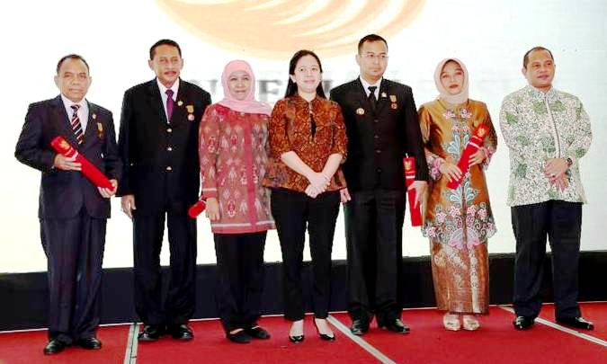 Anugerah Tanda Kehormatan Satya Lancana Kebaktian Sosial