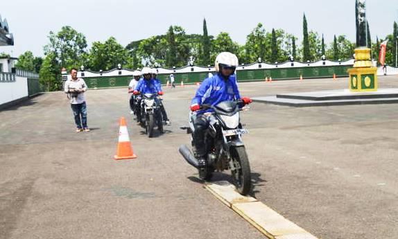 safety Riding Honda - bandung ekspres