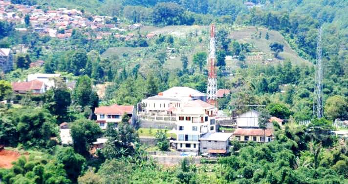 Ratusan Bangunan rumah dan hotel KBU