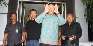 Pemerikasaan Dugaan Kasus Korupsi Bupati Sumedang-Ade Irawan 5 - bandung ekspres