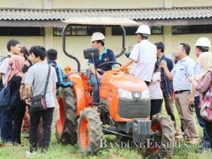 Alat mesin pertanian Impor