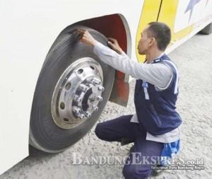 Cek Bus