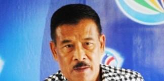 BUTUH BIAYA BESAR: Manajer Persib Bandung Umuh Muchtar masih menunggu keputusan PT PBB untuk menerima atau tidaknya undangan laga uji coba dari Arema pada 11 Agustus mendatang.