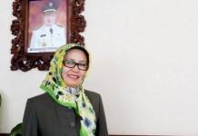 Dra. Entin Kartini Sekretaris DPRD Kota Bandung