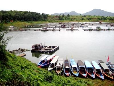 Nuansa Danau Tirta Jangari Cianjur