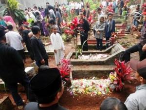 pemakaman-jaja-sutarja