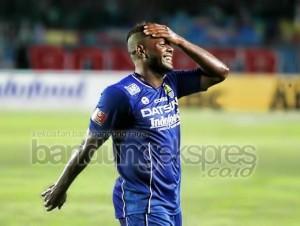 Persib vs Bali United - laly