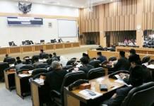 rapat dewan1