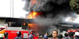 pabrik BMW kebakaran