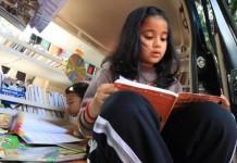 tingkatkan-minat-baca-melalui-gerobak-buku