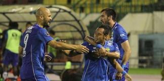 Atep menjadi bintang kemenangan Persib setelah mencetak dua gol. Gol pertama dicetak Atep pada menit ke-11 dan 74