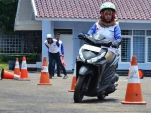Pemenang Kompetisi Safety Riding 2017 Regional Jawa Barat  Kategori Sport :      Khaerul Haryadi - Ikatan Motor Honda Bandung      Deri Krisnandi - Ikatan Motor Honda Bandung Kategori Matic :      Annisa Lucy Prigita - Komunitas Honda Motor Bogor      Kunthi Kayati - Ikatan Motor Honda Bandung