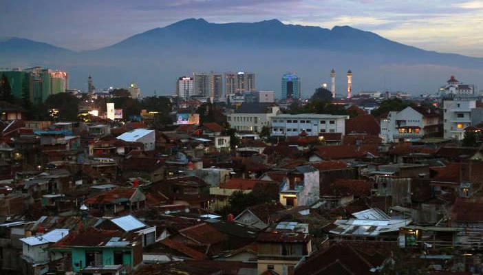 Kepadatan Penduduk di Kota Bandung - Fajri Achmad