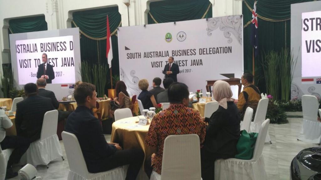Sebagai bentuk kerjasama dan menjalin kesepakatan Sister Provinci antara provinsi Jawa Barat dan Australia Selatan dibidang pemerintahan rencananya akan dibangun Public Art Work.