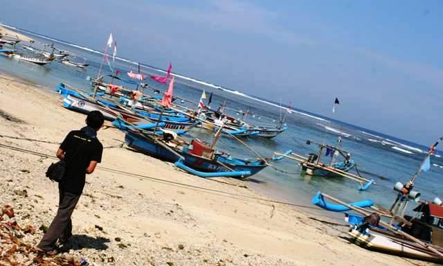 Pantai Ujunggenteng