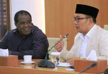 Bupati Sorong Jhony Kamuru Wali Kota Bandung M. Ridwan Kamil