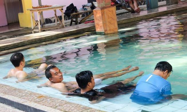 Menikmati Terapi Air Panas Geyser Cisolok Sukabumi Jabar Ekspres Online