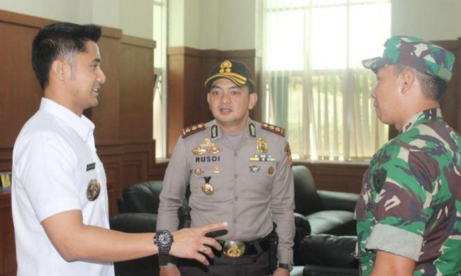 Hengki Kurniawan -TNI