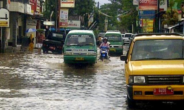 banjir panyileukan