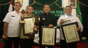Pemkot Dapat Tiga Penghargaan dari Gubernur