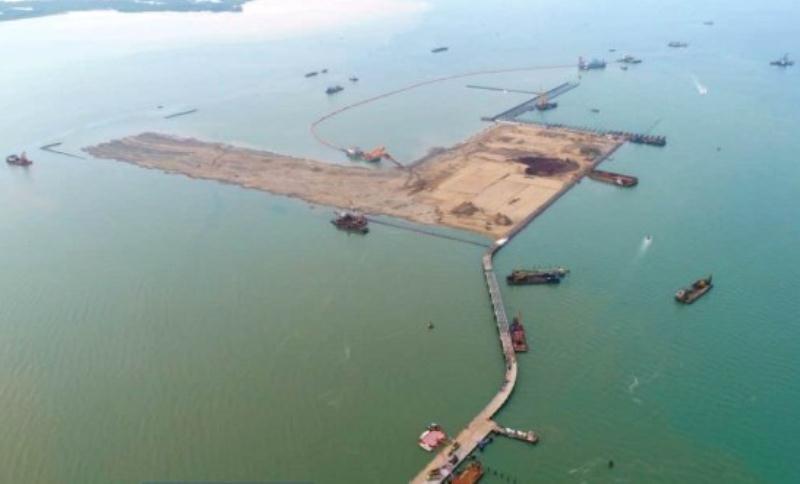 Penampakan area reklamasi Pelabuhan Patimban dari foto udara (drone) PT PP-Wika Maret lalu. YOGI MIFTAHUL FAHMI PASUNDAN