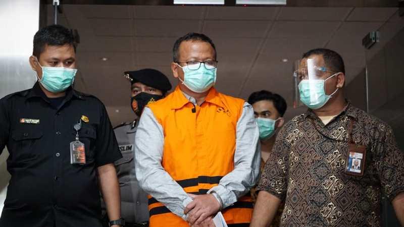 KPK terus menggali keterangan eks Menteri Kelautan Edhy Prabowo yang berujung menyeret dua kepala daerah.