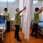 Saat ini keterisian tempat tidur ruang isolasi di rumah sakit sudah mencapai 1.136 unit atau mencapai 89.87 persen. Adapun jumlah ideal seharunya adalah hanya 60 persen saja.