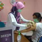 Pelaksanaan vaksinasi Covid-19 untuk tenaga kesehatan di KBB. (Ilustrasi)