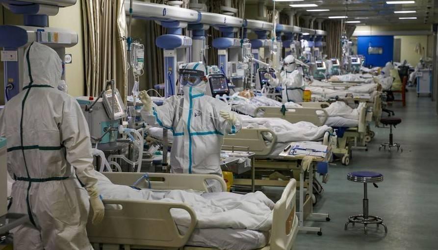 SANGAT BERDAMPAK: Meningkatnya kasus positif Covid-19 juga turut berimbas pada ketersediaan ruang isolasi bagi pasien di rumah sakit yang semakin kekurangan tempat. (ilustrasi)