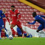 Wijnaldum saat masih berseragam Liverpool tengah menguasai bola. (@LFC/Twitter)