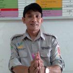 Kepala Seksi (Kasi) Kesejahteraan Desa Panenjoan, Handi Suhandi di kantor, Jumat (28/5). (Yanuar Baswata/Jabar Ekspres)