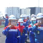 Direktur Utama PT Pertamina (Persero), Nicke Widyawati memantau langsung penanganan paska insiden kebakaran di area tangki penyimpanan di Kilang Cilacap