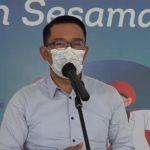 Guberur Jabar Ridwan Kamil Ketika memberikan keterangan di rumah dinas Gedung Pakuan