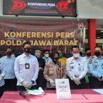 Jajaran Dit Reserse Kiriminal Khusus (Ditreskirmsus) Polda Jabar berhasil mengungkap kasus praktik pengoplosan Gas elpiji 12Kg (Kilogram) di Bogor