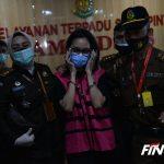 Jaksa Pinangki Sirna Malasari (rompi merah muda). (Faisal R. Syam/Fajar Indonesia Network)